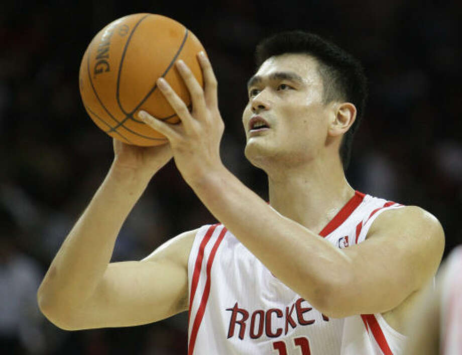 Yao Ming went through a full shootaround Wednesday and plans to return in time to play against the Pistons. Photo: Karen Warren, Chronicle