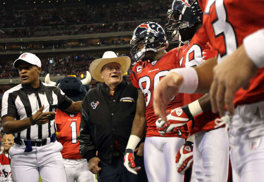 Bum Phillips, above, and former quarterback Dan Pastorini have known Gary Kubiak since he was a Oilers ballboy. Photo: Brett Coomer, Chronicle