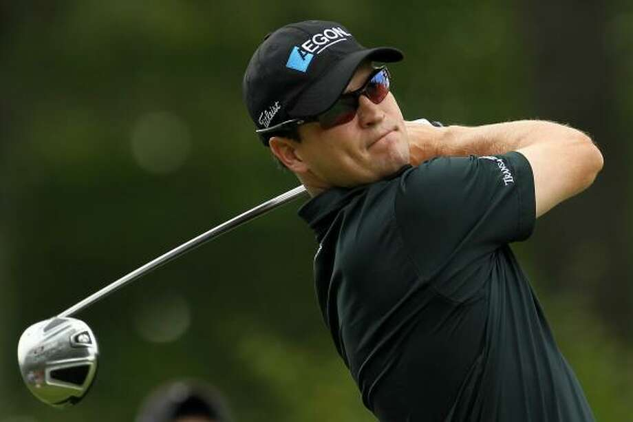 Zach Johnson shot a 8-under 63 for a share of the first-round lead at the Deutsche Bank Championship. Photo: Mike Ehrmann, Getty Images
