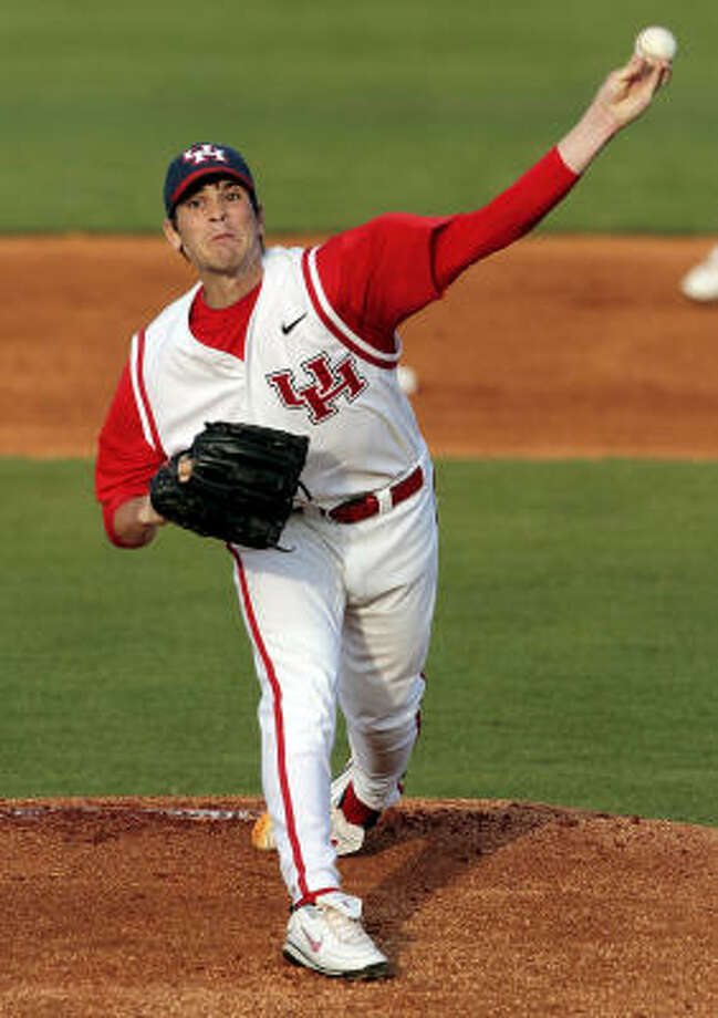 UH pitcher William Kankel walked six batters in his six innings, taking the loss after allowing five runs. Photo: Chronicle File Photo