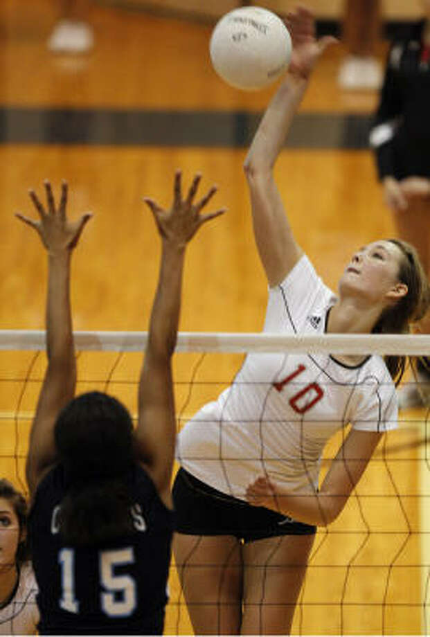 Marissa Maas had 12 kills for Travis. Photo: Melissa Phillip, Chronicle
