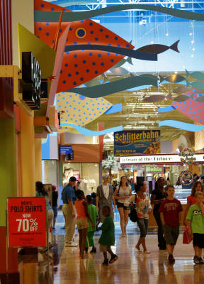 The Katy Mills Mall has both outlet and traditional stores. Of its more than 175 retailers, 65 percent are outlet stores. Photo: Melissa Phillip:, Chronicle