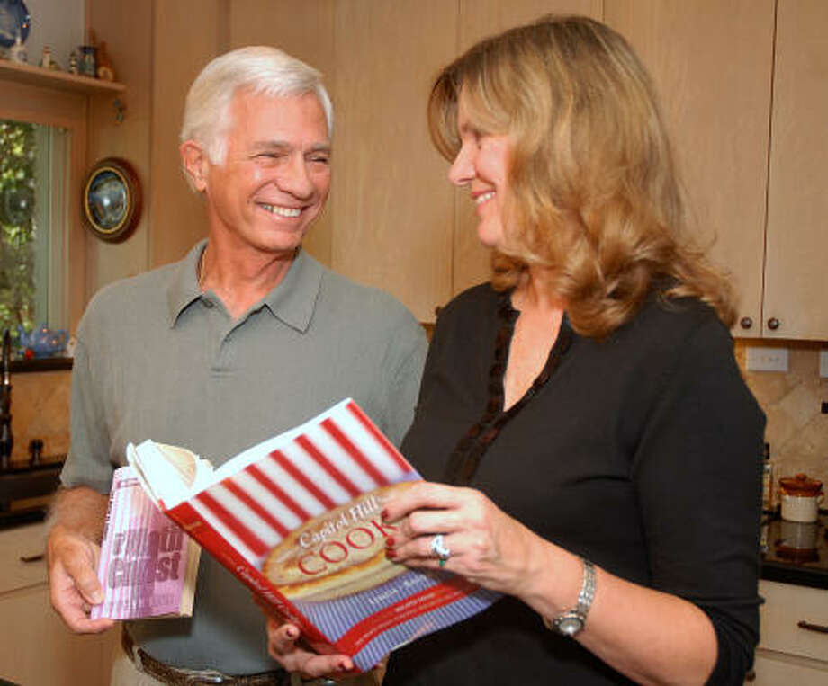 Steve and Linda Bauer of The Woodlands have written new books. Photo by David Hopper: For the Chronicle.