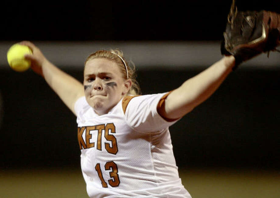 Alvin pitcher Karri Smith entered in the fifth and ended Kempner's late comeback attempt. Photo: Bob Levey, For The Chronicle
