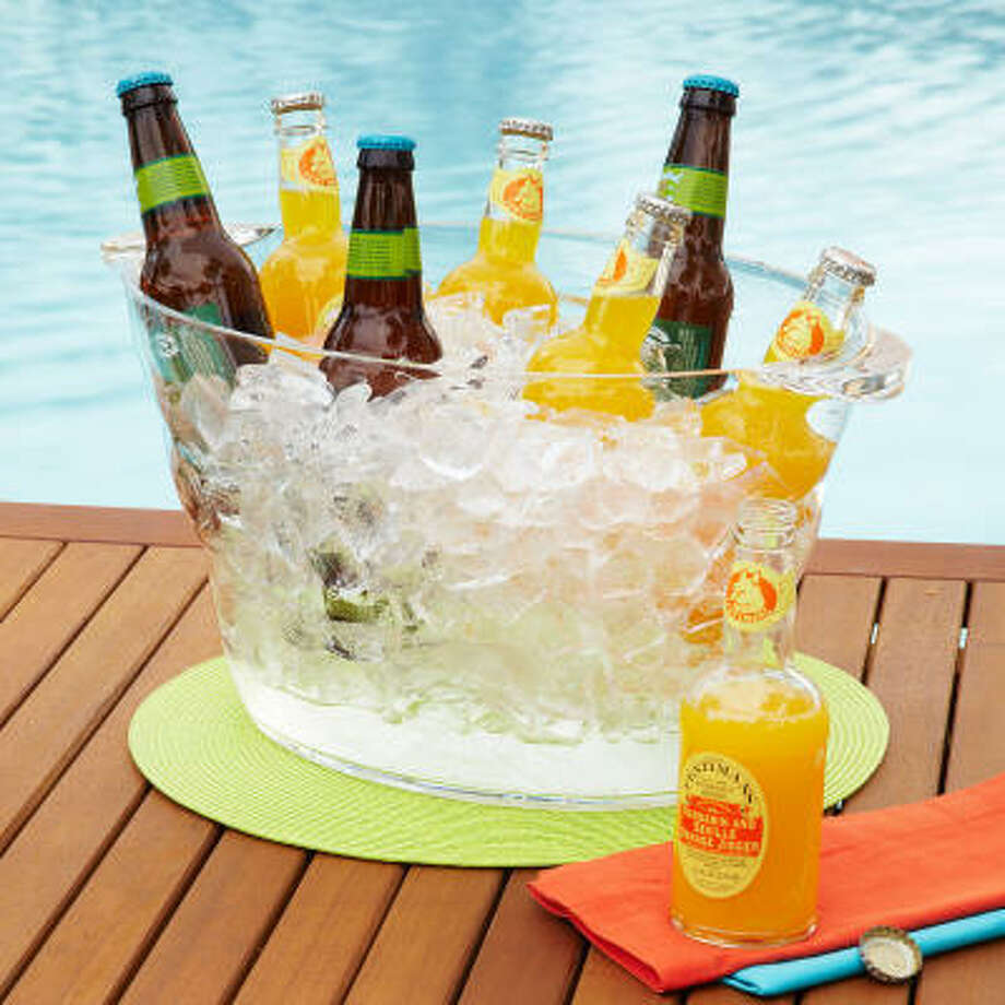 On-Ice Acrylic Party Tub, $24.95 from Sur la table. Photo: Sur La Table
