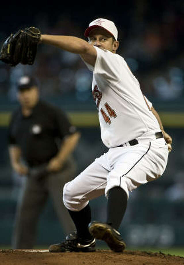 The Astros' ability to trade Roy Oswalt may depend on how much of the contract they would absorb. Photo: James Nielsen, Chronicle