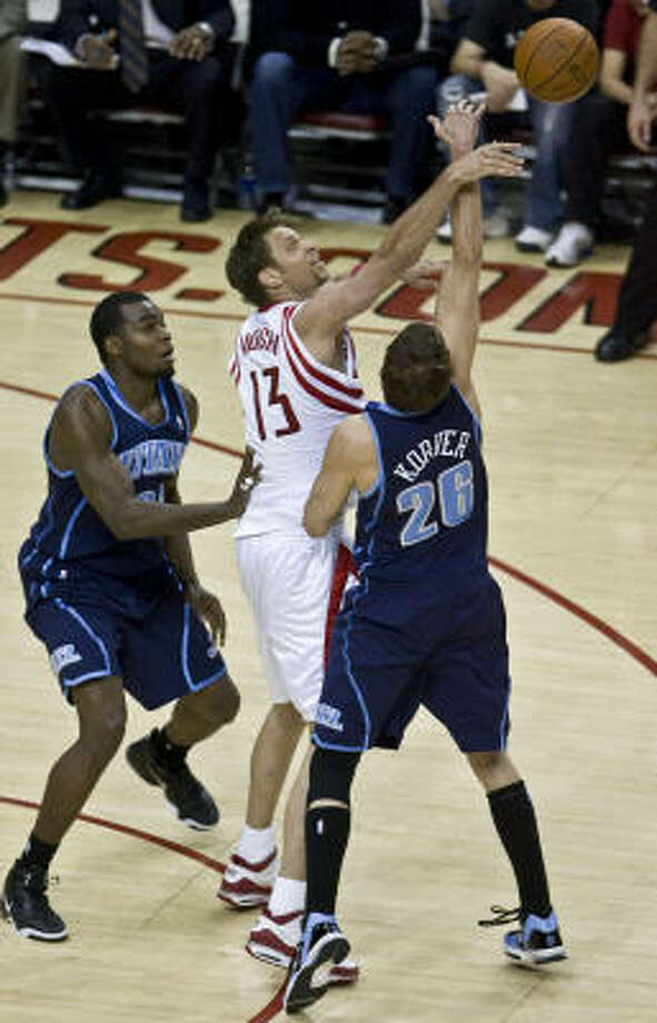 Rockets forward David Andersen had 18 points against the Jazz. Photo: James Nielsen, Chronicle