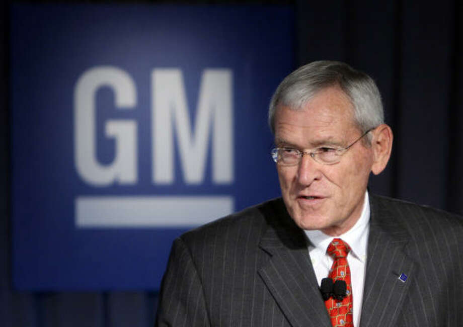 In this July 10 photo, General Motors Corp. Chairman Edward Whitacre Jr. addresses the media during a news conference at the company's headquarters in Detroit. Photo: AP