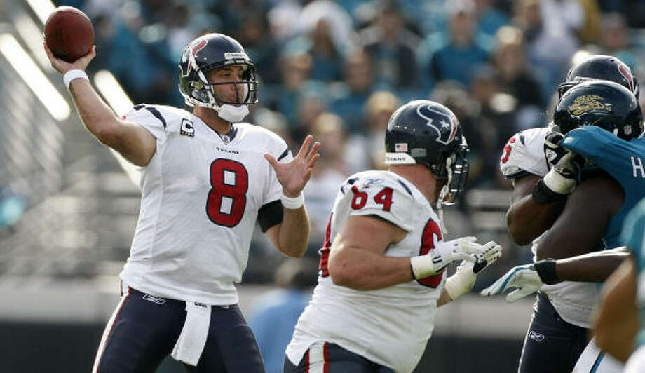 Texans quarterback Matt Schaub led the NFL in passing with 4,770 yards this season. Photo: Nick De La Torre, Chronicle