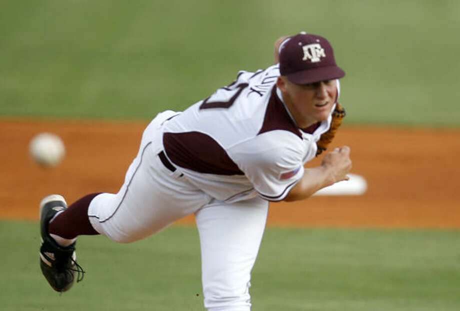 In his junior season at Texas A&M, Barret Loux went 11-2 with a 2.83 ERA in 16 starts and one relief outing. He struck out 136 and walked 34 in 105 innings. Photo: Karen Warren, Chronicle