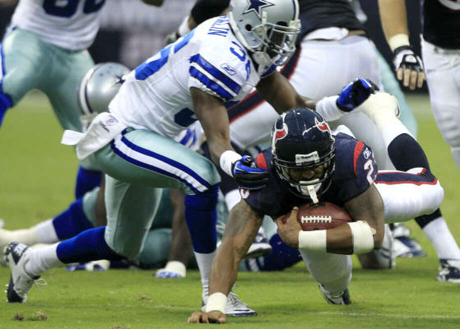 Arian Foster with 18 carries for a franchise exhibition record 110 yards and a touchdown. Photo: Brett Coomer, Chronicle
