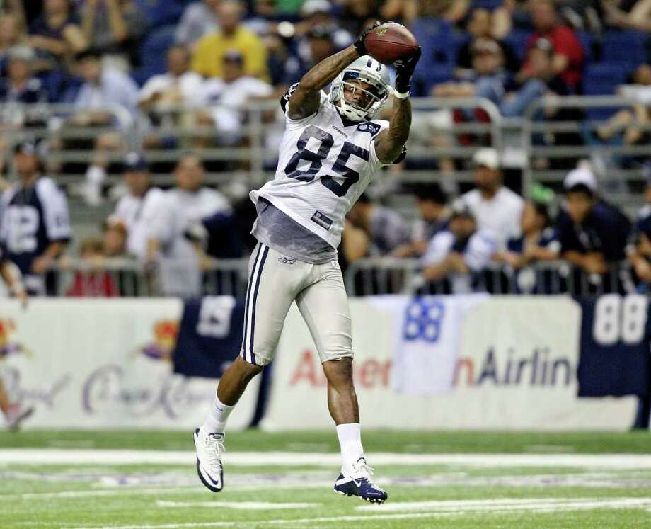 """Dallas may end up relying on wide receiver Kevin Ogletree, who was once called """"stupid"""" by quarterback Tony Romo. Photo: Edward A. Ornelas/eaornelas@express-news.net / © SAN ANTONIO EXPRESS-NEWS (NFS)"""