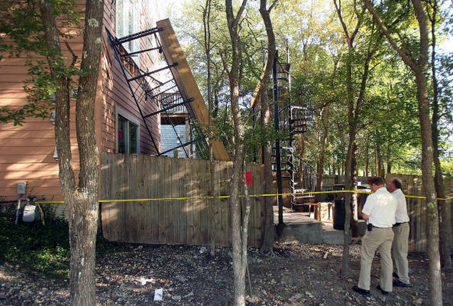 About 30 people were on the balcony when it collapsed at the Garden Court Condominiums. Photo: Austin American-Statesman