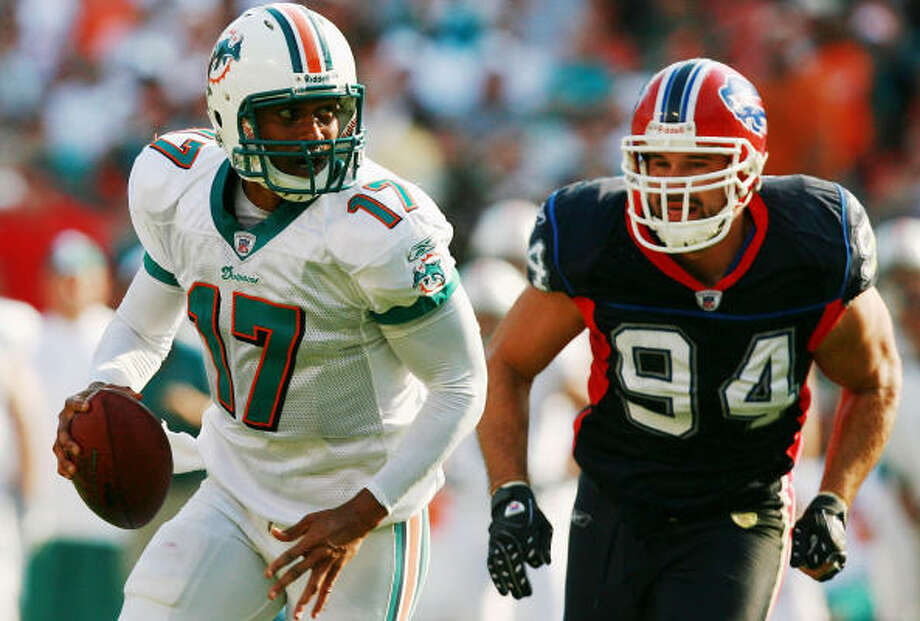 Aaron Schobel's 78 sacks rank second in Bills history behind Hall of Famer Bruce Smith. Photo: Doug Benc, Getty Images