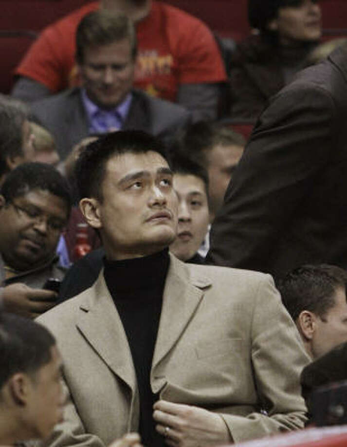 Trading Yao this season would not preclude the Rockets from bringing him back as a free agent this summer if he is healthy enough to continue his playing career. Photo: Pat Sullivan, AP