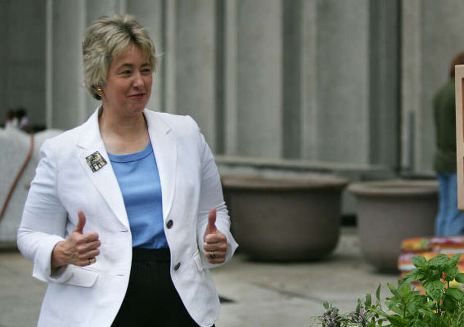 Mayor Annise Parker has teamed up with the Dynamo for the unveiling of festivites surrounding legendary Manchester United's July 28 visit. Photo: Mayra Beltran, Chronicle
