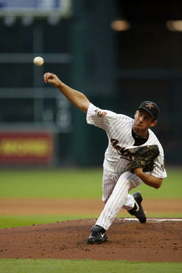 Roy Oswalt is under contract to pitch through 2011 and is due at least $33 million. Photo: Johnny Hanson, Chronicle