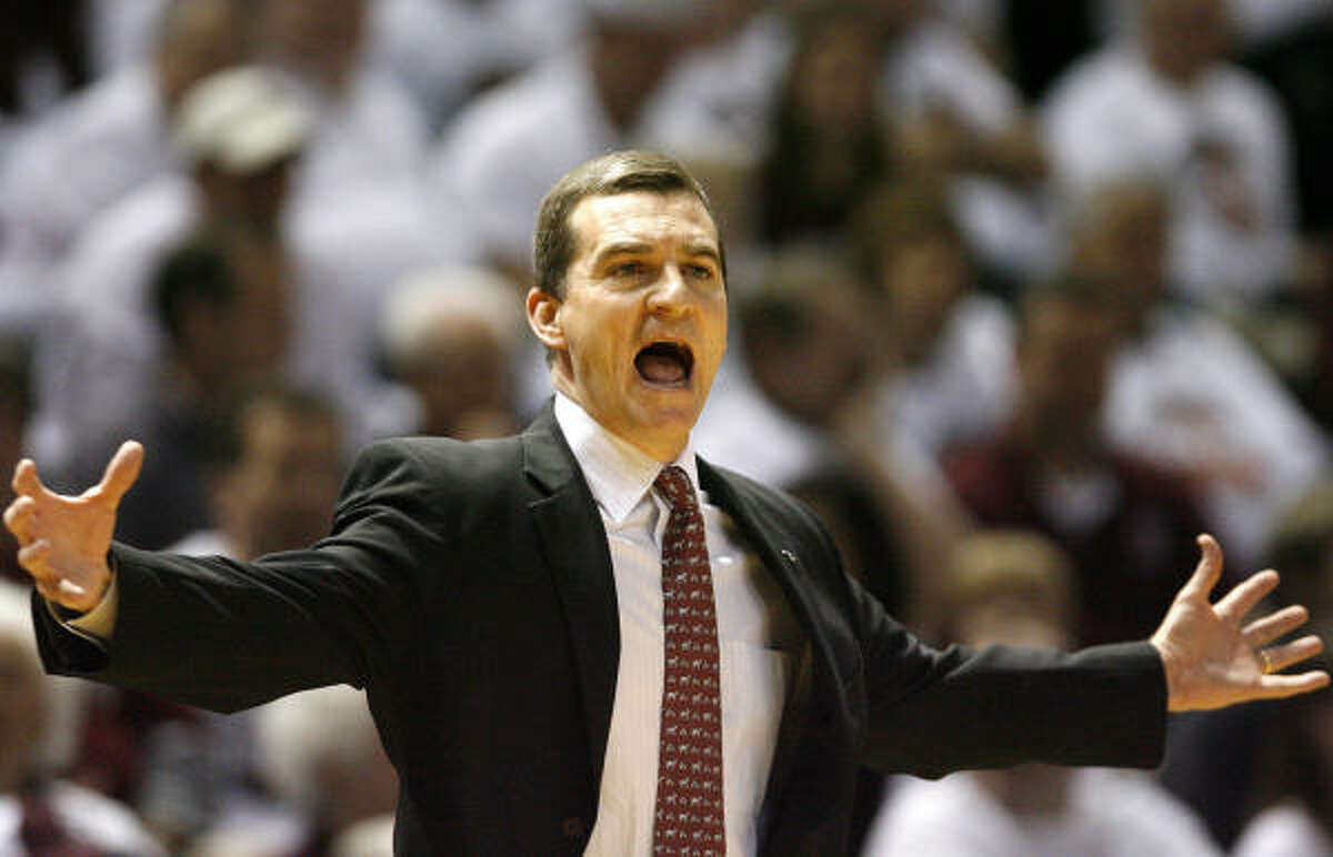 Reports suggest that Texas A&M coach Mark Turgeon is a candidate to replace Ernie Kent at Oregon.