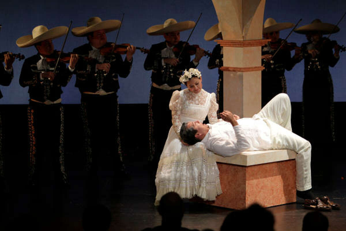 Mezzo-soprano Cecilia Duarte and recent Houston Grand Opera Studio alum Octavio Moreno perform in To Cross the Face of the Moon at Talento Bilingue de Houston.