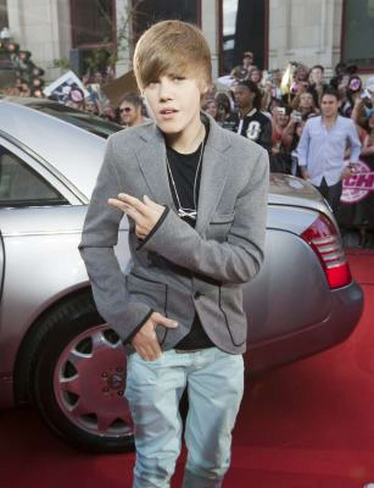 Pop singer Justin Bieber sports a tousled look that has created plenty of buzz.