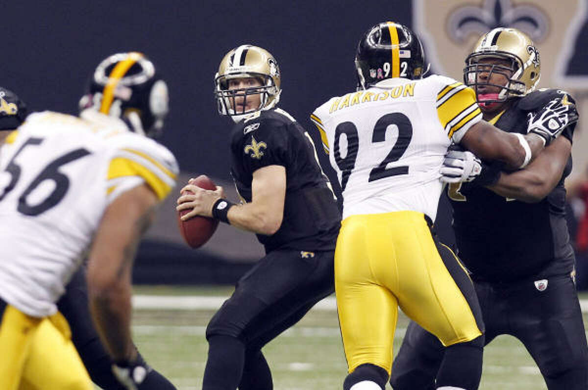 Saints quarterback Drew Brees passed for 305 yards and two touchdowns on Sunday night.