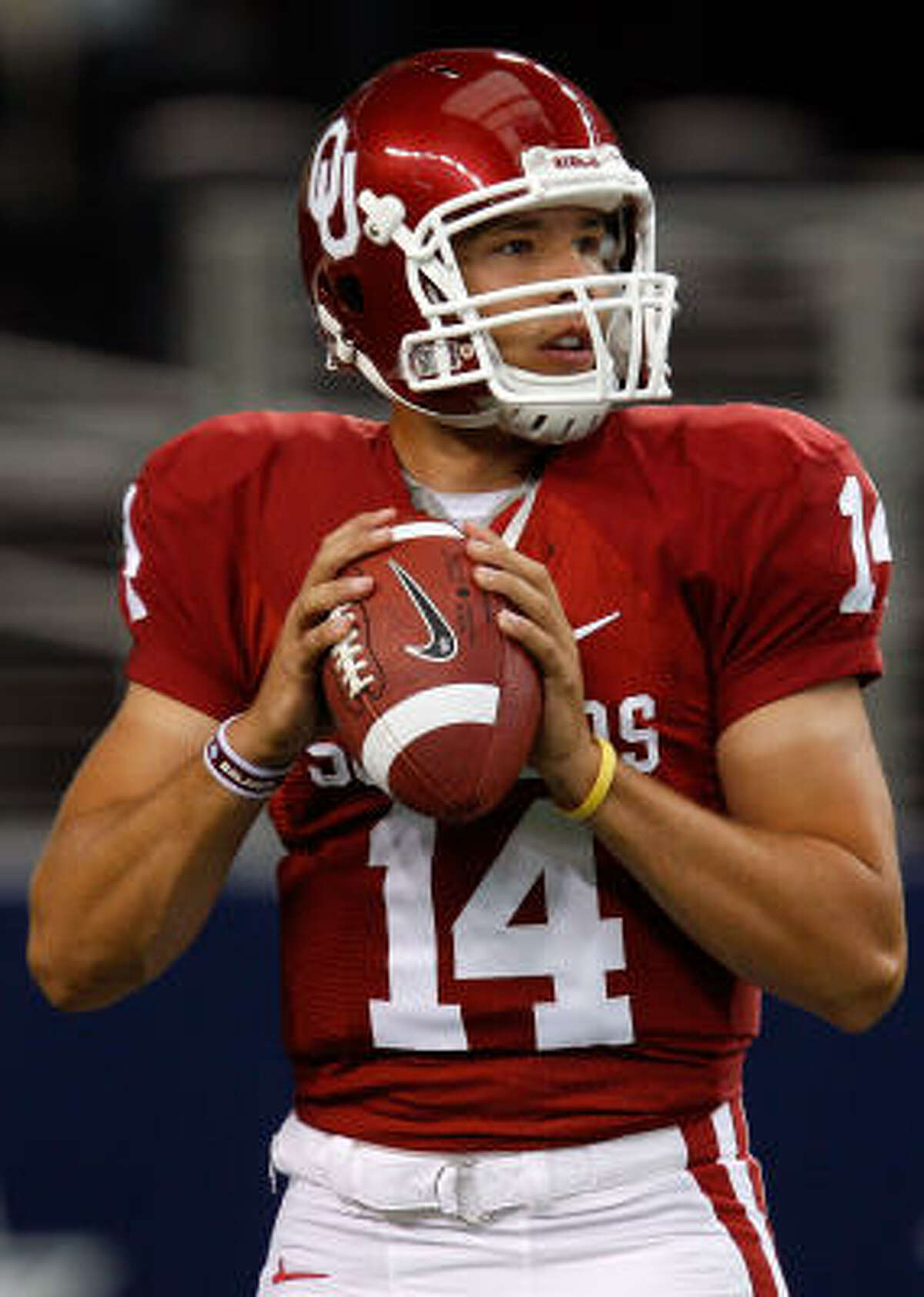 Sam Bradford finished his Oklahoma Sooners career with 8,403 passing yards, 88 passing touchdowns and winning the 2008 Heisman Trophy.