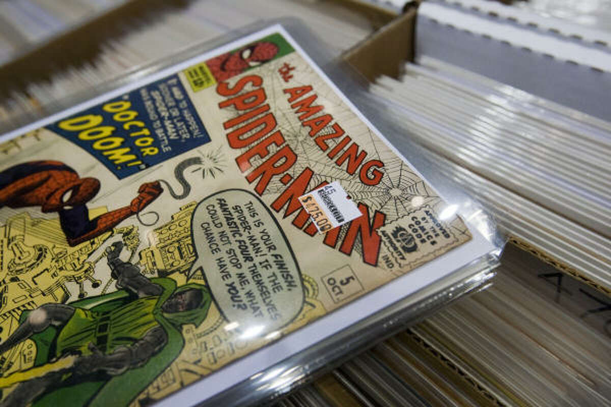 "The owner of this Amazing Spider-Man comic book was hoping one of the ""superfans"" at Comicpalooza would be willing to part with $475 to own the issue."