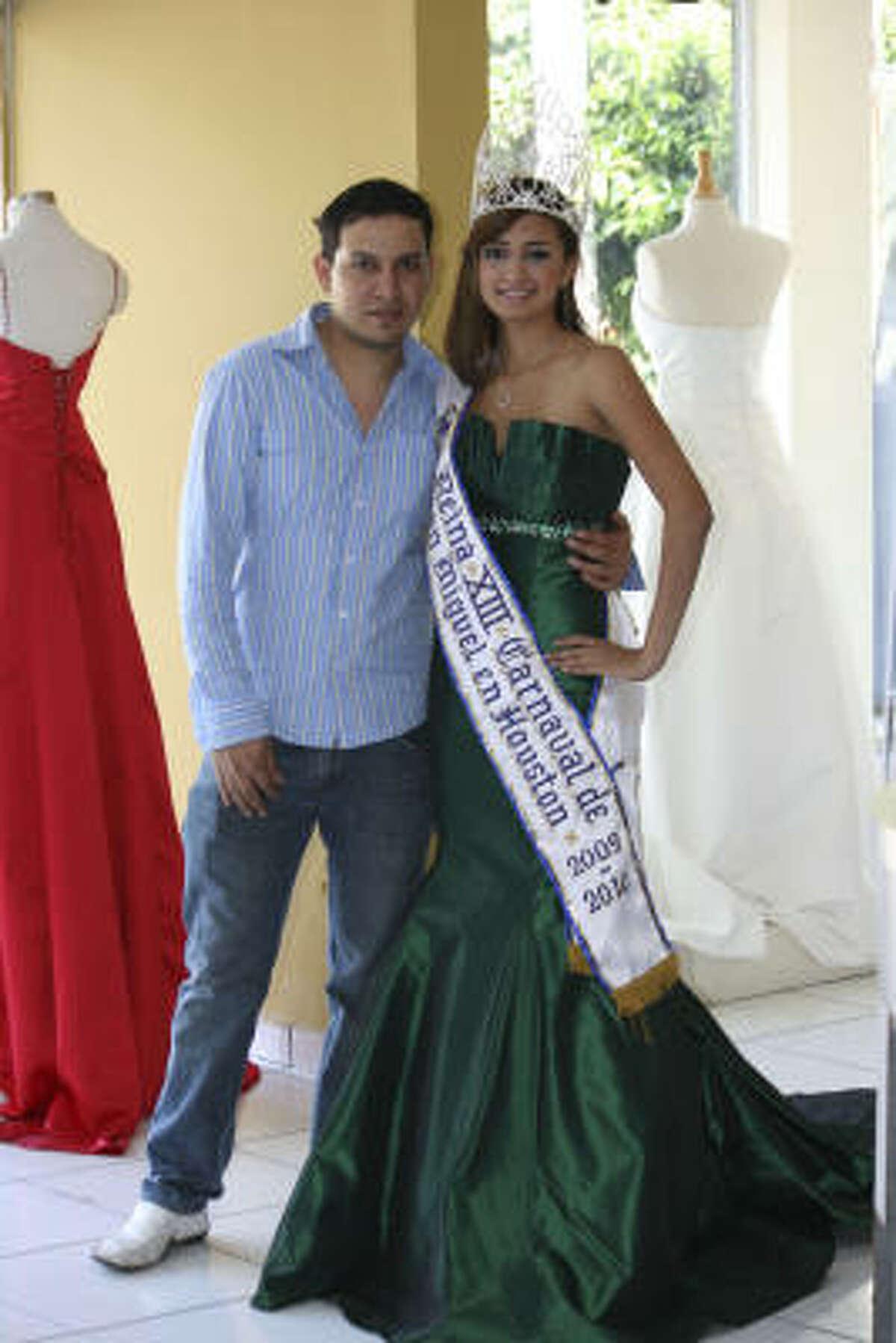 La reina de las fiestas de San Miguel 2009-2010 es Melissa Guerrero.