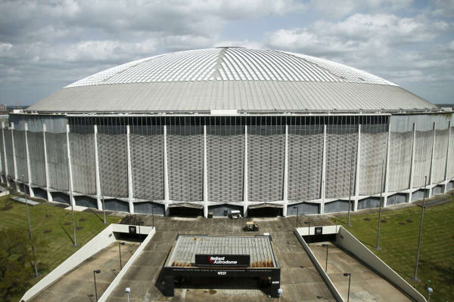 Why not use the Astrodome instead of building a new soccer stadium for the Dynamo? Because, officials say, it would cost more than the newly inked $60 million project. Photo: Chronicle File Photo