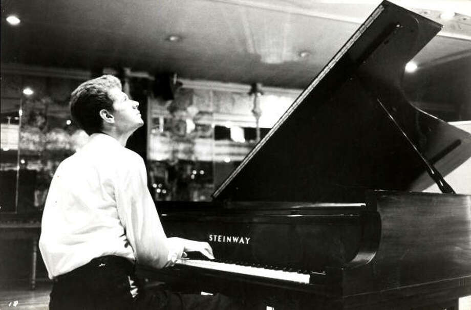 Van Cliburn Photo: Chronicle File