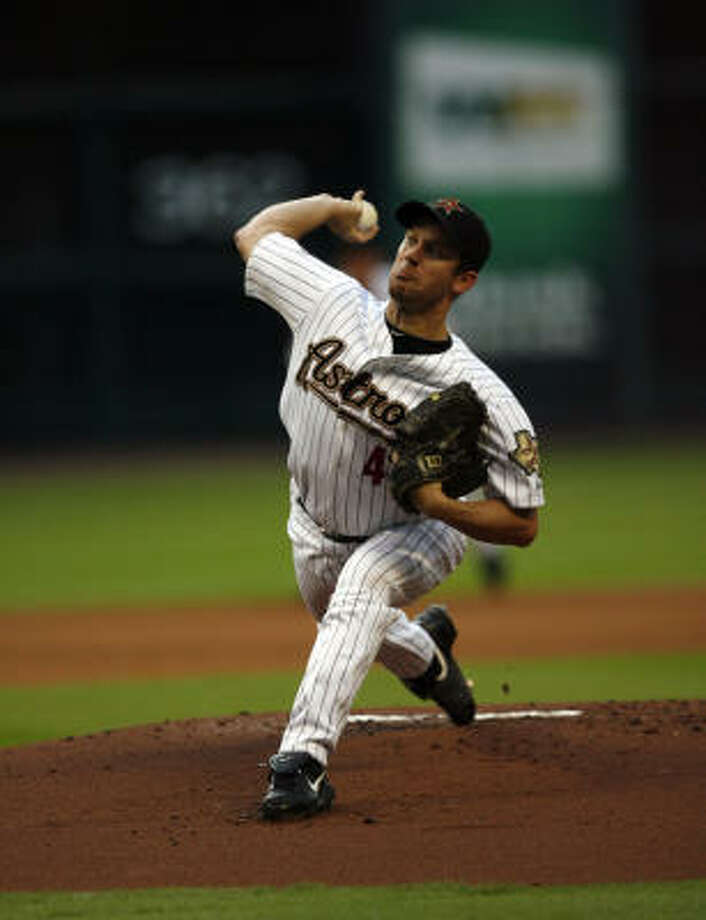 Roy Oswalt is willing to waive his no-trade clause to play for a contender. Photo: Johnny Hanson, Chronicle