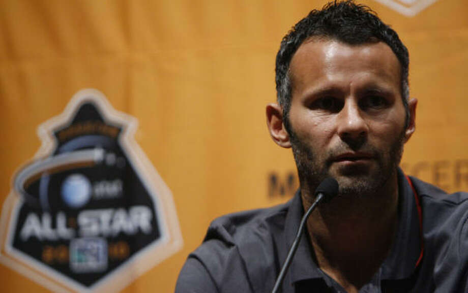 Ryan Giggs has been with Manchester United for 20 years. Photo: Julio Cortez, Chronicle
