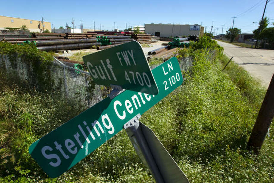 Visitors to Planned Parenthood's headquarters will travel on Eleanor Tinsley Way instead of Sterling Center Lane. Photo: Brett Coomer, Chronicle