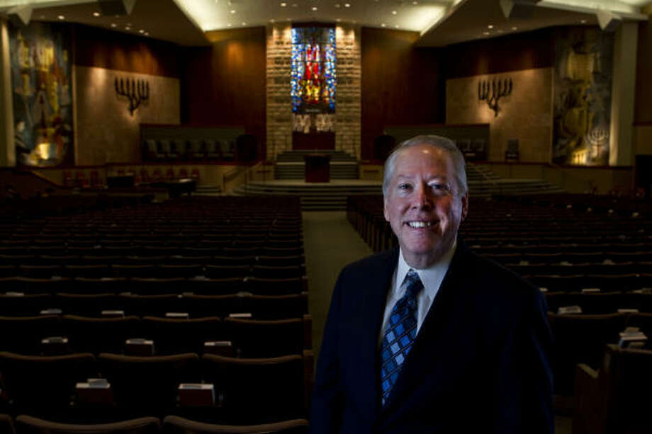 Rabbi David Rosen will lead Houston's Congregation Beth Yeshurun's all-day Yom Kippur service Saturday. Photo: James Nielsen, Chronicle