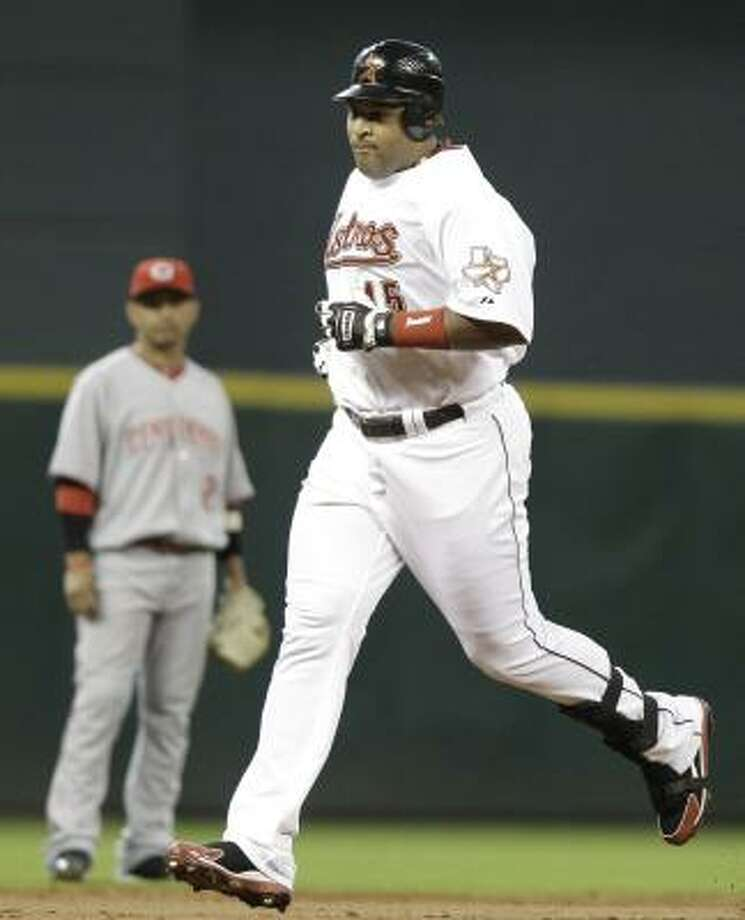 Carlos Lee accounted for the Astros only run on Saturday night with a solo homer in the second inning. Photo: Pat Sullivan, AP