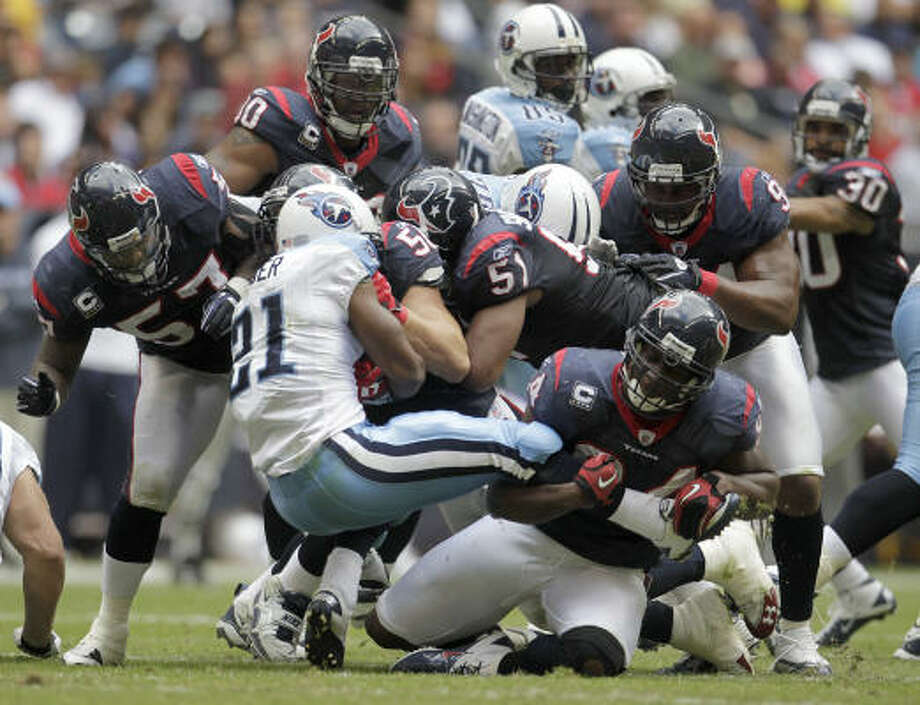 The Texans and Titans enter Sunday's game in Nashville in similiar shape -- both squads are struggling mightily. Photo: Karen Warren, Chronicle