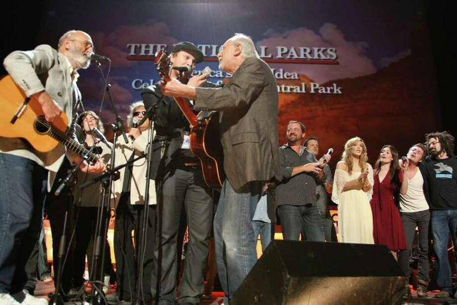 NEW YORK - SEPTEMBER 23:  (L-R) Musicians Paul Stookey of Peter, Paul & Mary, Gavin DeGraw, and Peter Yarrow of Peter, Paul & Mary perform during a National Parks celebration hosted by the National Parks Conservation Association and PBS at Central Park on September 23, 2009 in New York City.  (Photo by Theo Wargo/Getty Images for NPCA) Photo: Theo Wargo / 2009 Getty Images