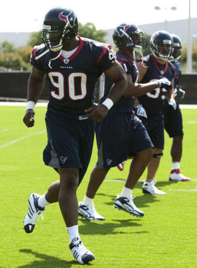 Mario Williams, above, and the Texans' three other starting defensive linemen lost a combined 59 pounds during the offseason. Photo: Brett Coomer, Chronicle