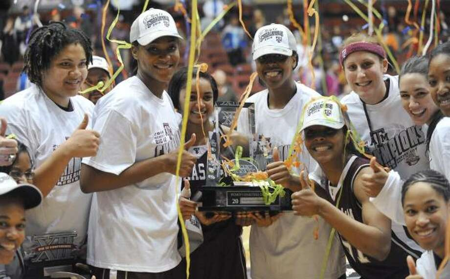 Texas A&M is in position for at least a No. 2 seed when the NCAA brackets are announced Monday. Photo: Denny Medley, AP