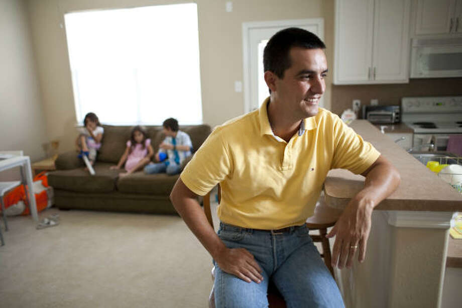 Cesar Rodriguez moved to Katy last summer with plans to be there a year. Instead, his family decided to remain in Katy for at least another year in hopes the violence in Monterrey will end. Photo: Nick De La Torre, Chronicle