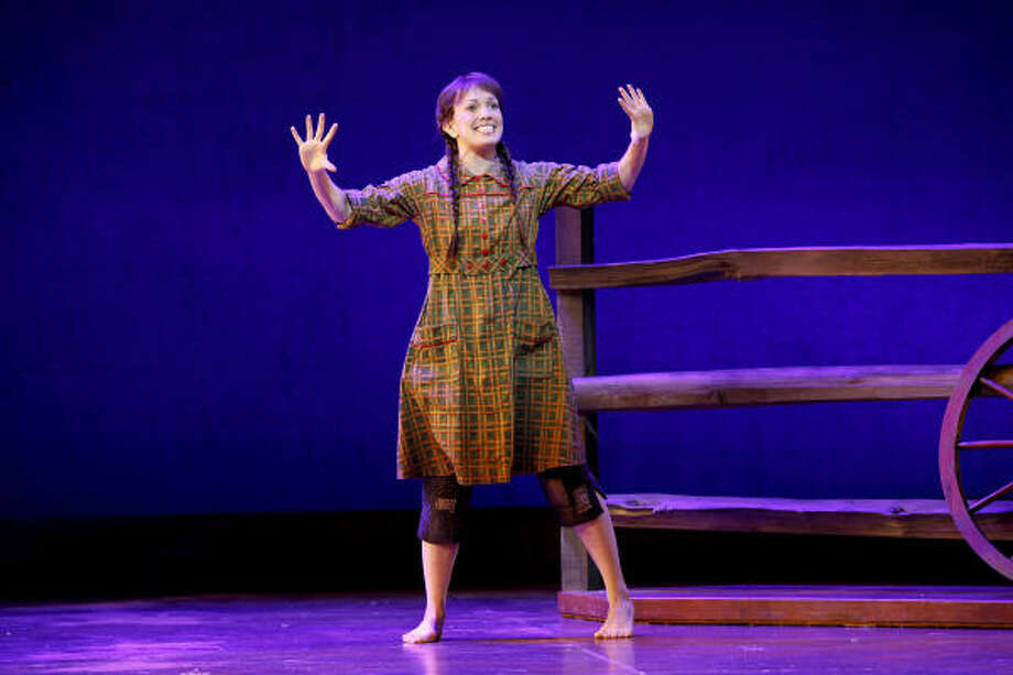 Kara Lindsay stars as Laura Ingalls Wilder in Little House on the Prairie the Musical at Hobby Center. Photo: Carol Rosegg