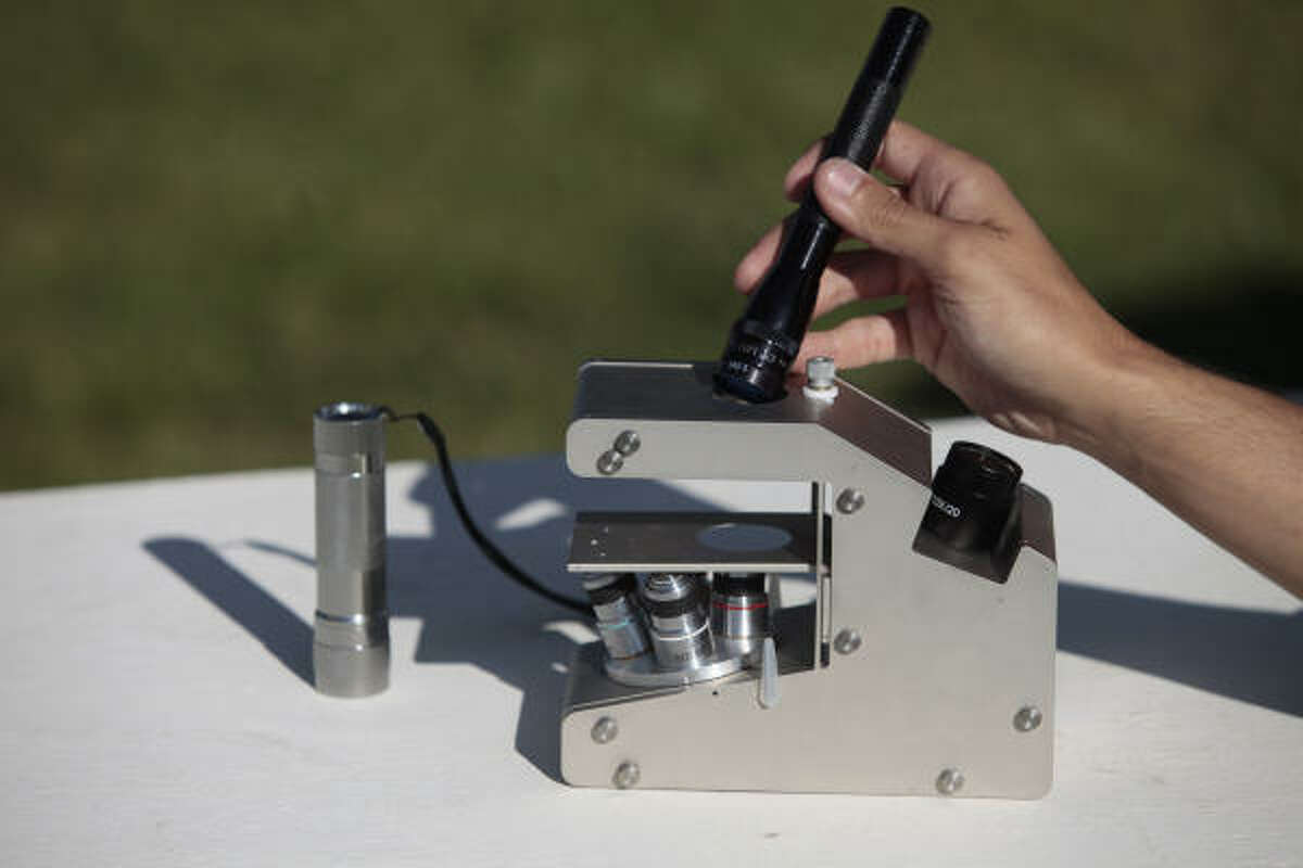 Andrew Miller showed his microscope last week in California, where the Rice grad now works as a designer.