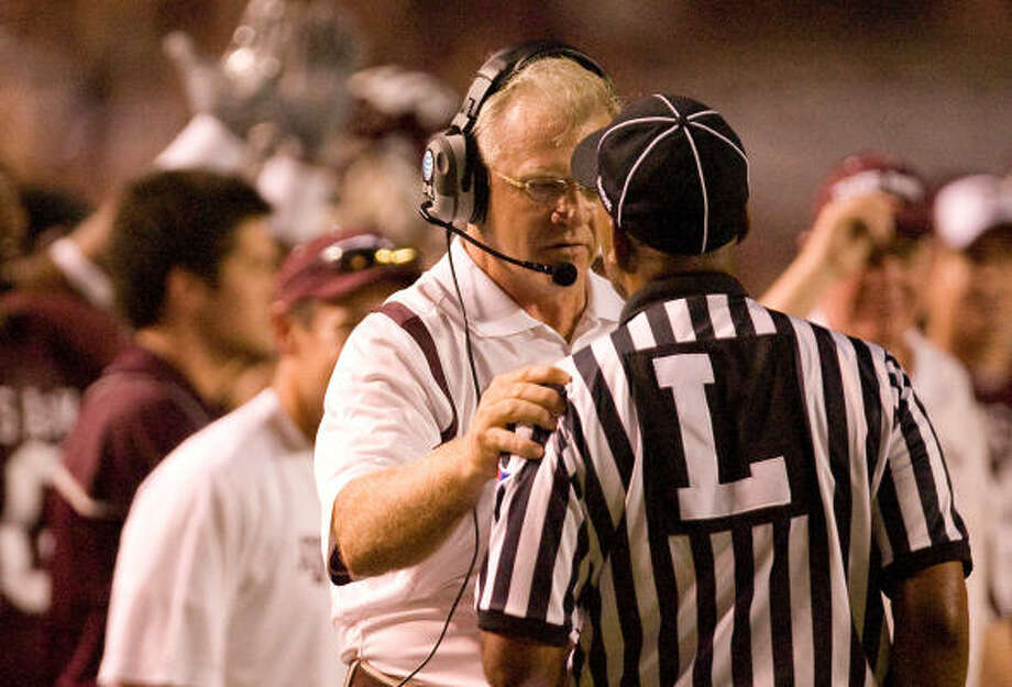 Texas A&M coach Mike Sherman is 13-17 while Dennis Franchione was 15-15 through 30. Photo: Nick De La Torre, Chronicle
