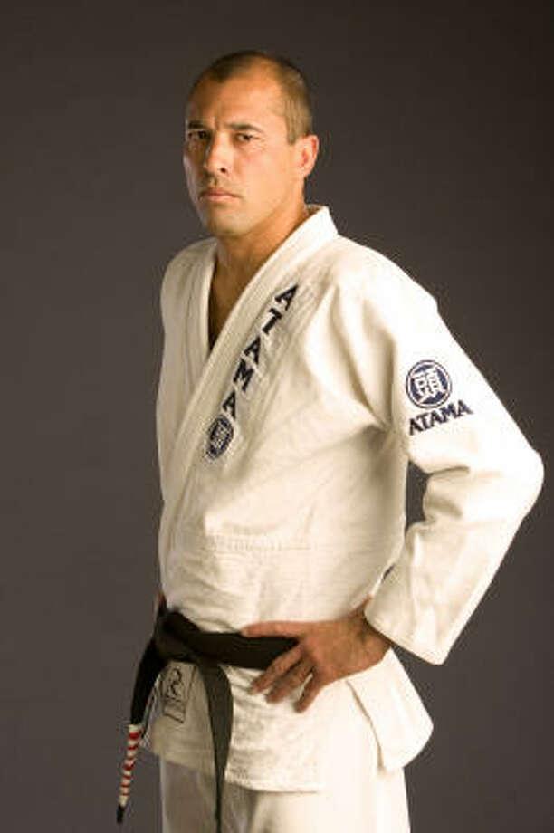 El astro del Jiu-Jitsu Brasileño y del MMA Royce Gracie estuvo de visita por Texas. Photo: UFC