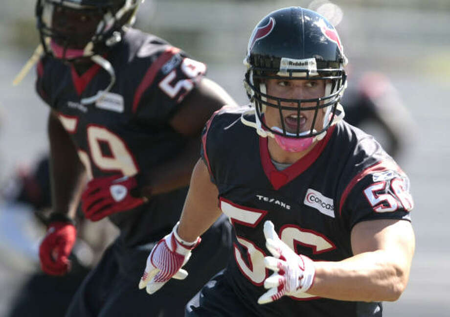 Brian Cushing spent much of his suspension working out in New Jersey. Photo: Billy Smith II, Chronicle