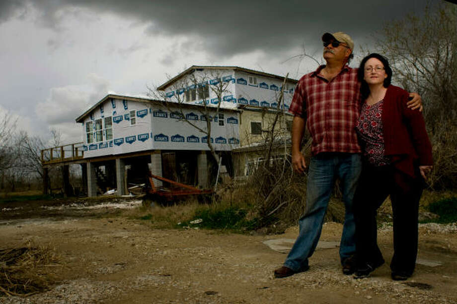 Doyce and Audrey Waldrop, whose San Leon home was damaged by Hurricane Ike, are in bankruptcy as they wait for their mortgage company to release all of their insurance money. Photo: Johnny Hanson :, Chronicle