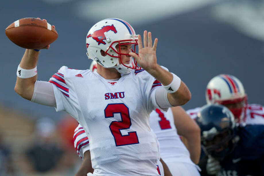 SMU's Kyle Padron has passed for 1,006 yards in the three games leading into Saturday's encounter with UH. Photo: Smiley N. Pool, Chronicle