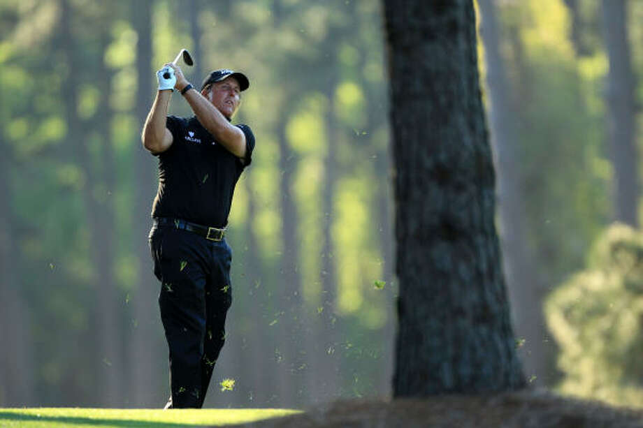 Phil Mickelson won his first major in four years with a dominant weekend performance at Augusta. Photo: David Cannon, Getty Images