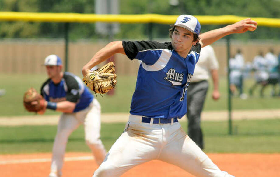 Friendswood pitcher Tyler Sullivan allowed just four hits while striking out four in his 4 1/3 innings of work. Photo: Jerry Baker, For The Chronicle