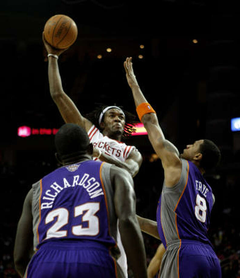 With an assurance of more playing time, Jordan Hill put it to good use Monday with 14 points and 10 rebounds. Photo: Bob Levey, AP